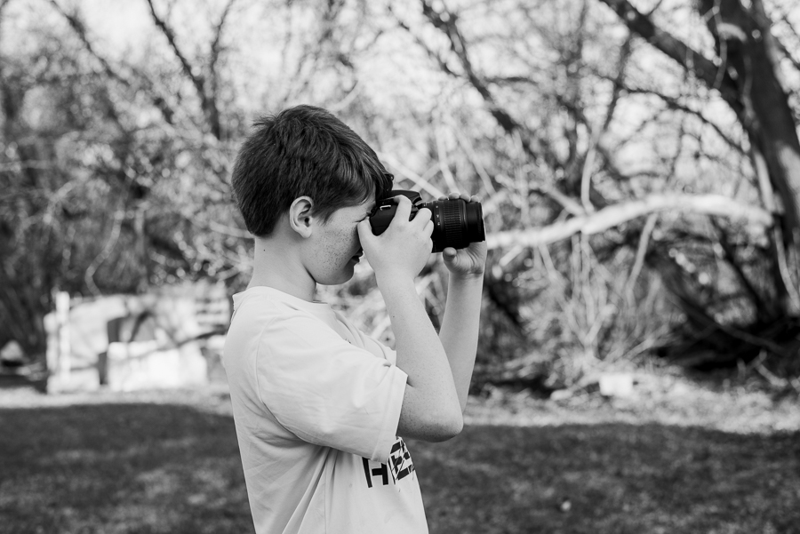 Want to know what a day looks like for a photographer momboss? Check out this day in the life with Erika of Erika Anne Photography!